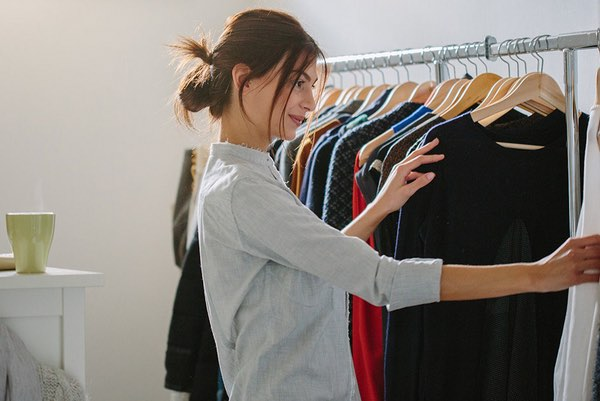 How To Store Your Clothes In A Self Storage Unit